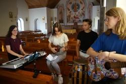 Гомельская моладзь запісала песню для конкурсу «Радыё Марыя» - галасуем!